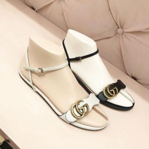 Leather sandal with Double G